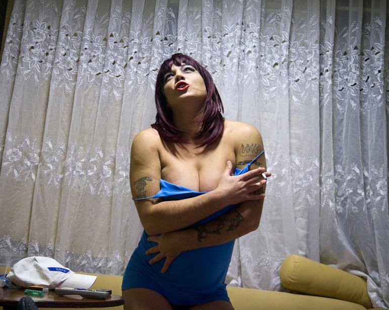 laure-geerts-trans-tattoo-black-istanbul-2009-10